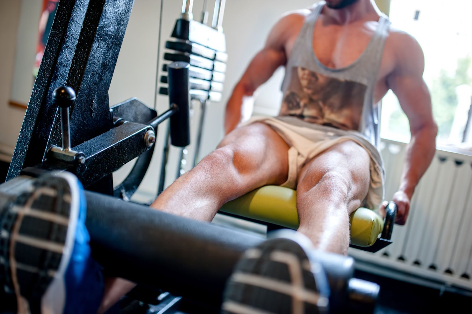 4 Best Exercises for Your Hamstrings (Demo Videos)